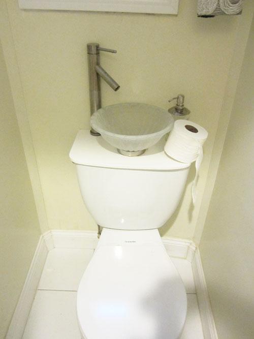 toiletsink.jpg